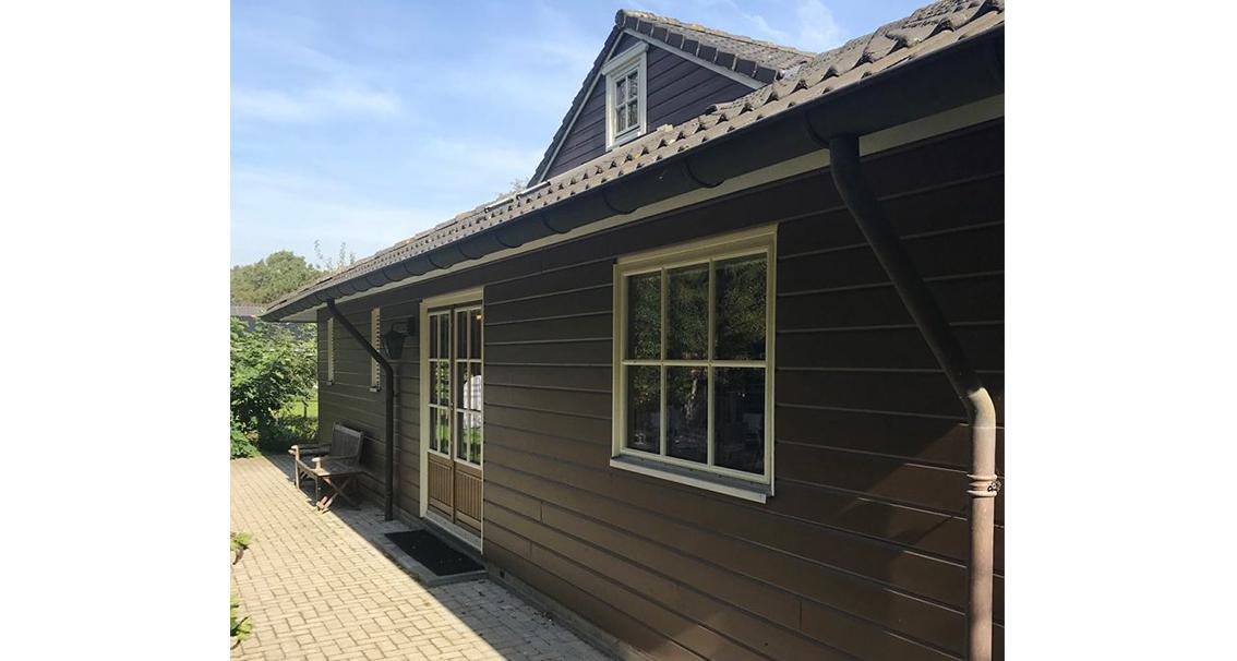 houten huis wit beitsen verven scandinavisch zweeds fins huis